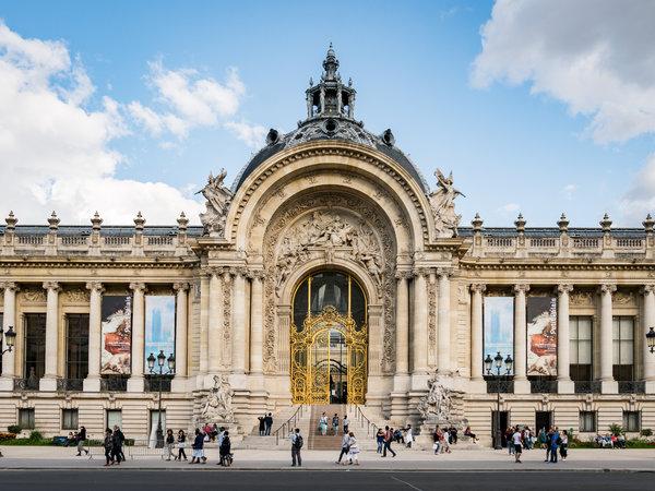 巴黎小皇宫为1900年的世界博览会而建,收藏了大量的欧洲艺术品。