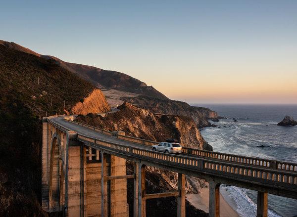 加州一號州道——又稱1號公路——上的比克斯比大橋。