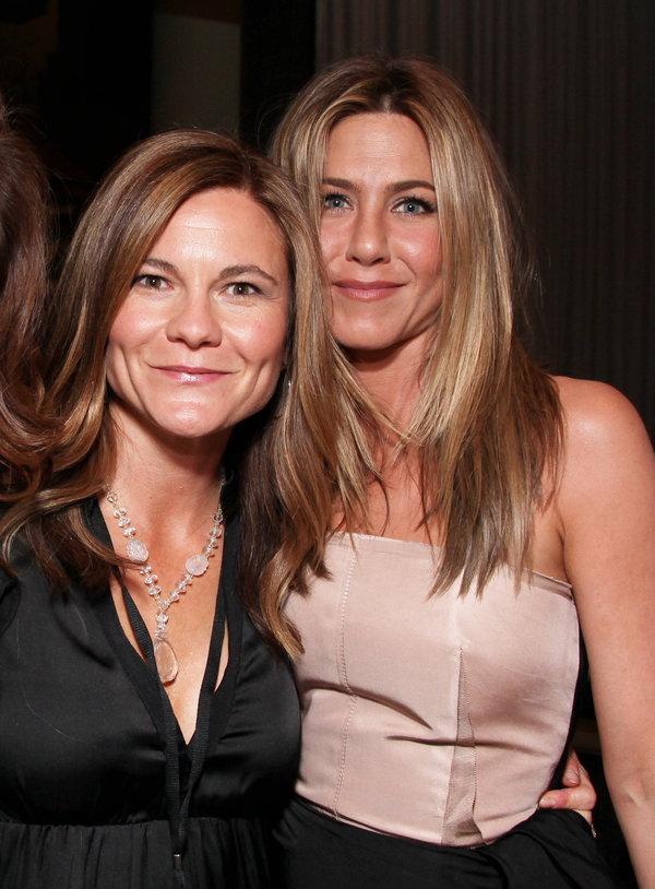 克里斯汀·哈恩是安妮斯顿30年的好朋友、20年的制片搭档。