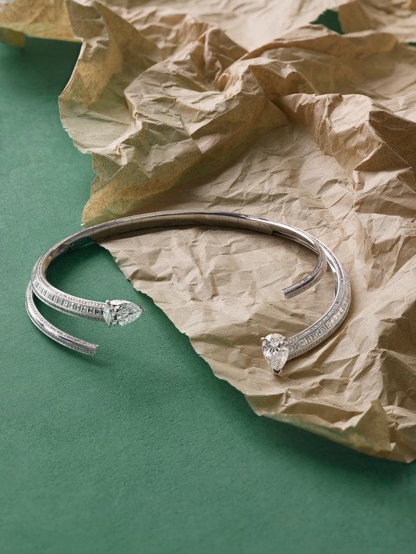 Repossi的戒指。