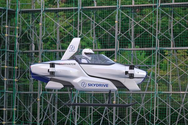 本月,日本公司SkyDrive對其飛行汽車原型進行了4分鐘的試飛。