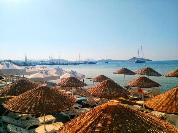 土耳其的度假小城亞勒卡瓦克以碼頭和不擁擠的海灘而聞名。