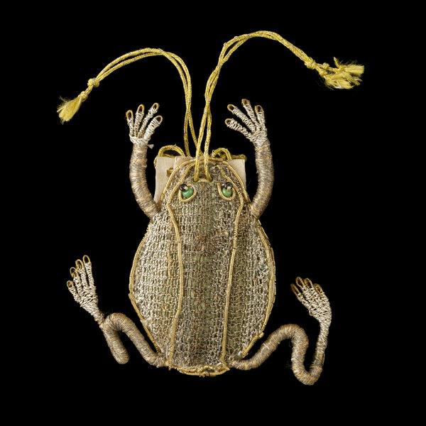 17世紀的青蛙錢包。